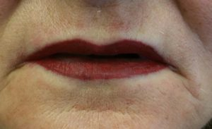 full lip color with lip line, lips that are tatooed, permanent lip color